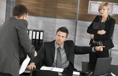Алиментщик уволился с работы что дальше